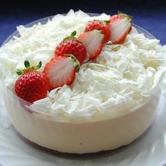 ケーキ:15㎝ケーキ1台を作り、お持ち帰り。