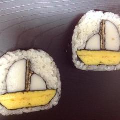 夏の飾り巻き寿司です。8月末までの期間限定です♪