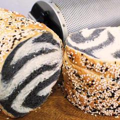 ステップアップレッスン/ゼブラ柄 ゴマたっぷり食パン
