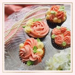 フラワーカップケーキ。初心者さんやお子さま向けの体験レッスン