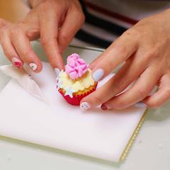 マシュマロフォンダンのカップケーキ