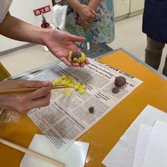 デモで作った和菓子は試食用に!