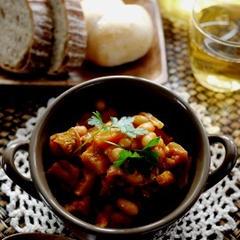 パンに合うお豆や野菜をたっぷり使ったサイドメニュー