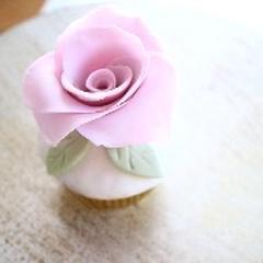バラのカップケーキ