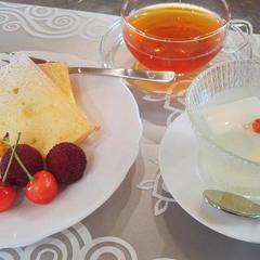 オレンジのシフォンケーキと杏仁豆腐 試食風景