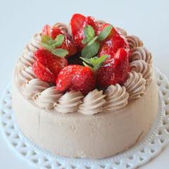 チョコレートクリームの ショートケーキ