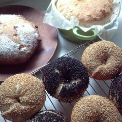 ゴマゴマベーグル、イチヂクとくるみのパン、パン・オ・ロデブ