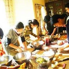 お正月料理の実習です。飾り切りを生まれて初めてやる方も、、、