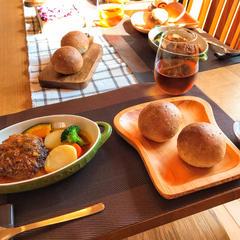 11月はグラハムパンと煮込みハンバーグのレッスンです。