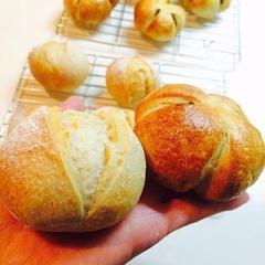 自家製酵母で作るパンたち 酵母の作り方から学んでいただけます