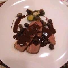 フランス産鴨胸肉のロースト、マルサラソースで
