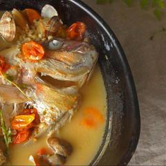 鮮魚を使ったアクアパッツァ