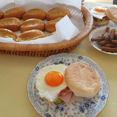 パン作りの後は、お楽しみの試食とドリンクとお喋りタイム