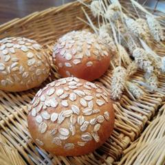 2月 ライ麦とヨーグルトのプチパン