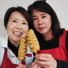 カレー味のパン生地は、ウインナーと相性バッチリ。