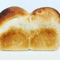 自家製天然酵母の山型食パン