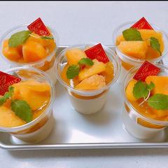 マンゴー杏仁豆腐 生クリームでなめらか