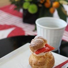 デザート、イチゴのシュークリーム