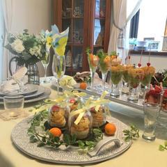 2/26のレッスン風景です。イエローのテーブルです。