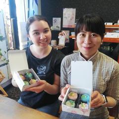 母国に帰る前に和菓子作り、お抹茶をしたかったようです。