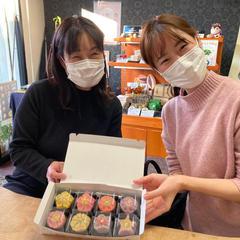 娘さんからお母さんへ、和菓子作りの誕生日プレゼント。