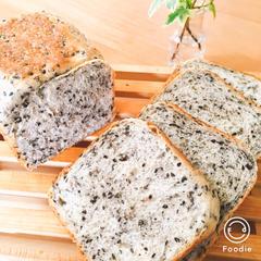 黒ごまの角食パン