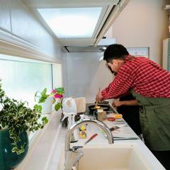 1~3名の少人数制で、ゆっくり調理工程をすすめています。