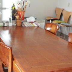 こちらのテーブルでゆっくりご試食を。