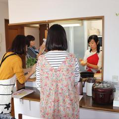 自宅レッスンでは家庭のキッチンで調理の流れをご覧いただけます