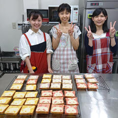 仲良し3人組カラフルなパンが焼けました。