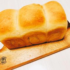 厳選牛乳、オーガニック小麦粉のふわふわ食パン