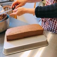 チョコレートケーキ作成中の生徒様