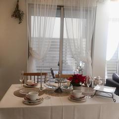 ホワイトクリスマスをテーマにしたテーブルコーディネート