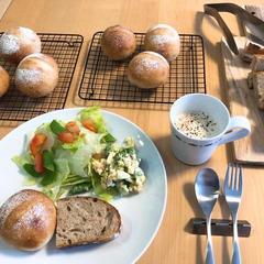 ご試食の一例です。講師の作ったパンをお召し上がりください。