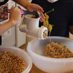 お味噌作り教室ではお子さんも楽しんで体験されました〜。