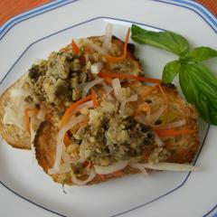 ふき味噌と大豆のオープンサンド