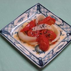 トマトとたまねぎのぴり辛炒め