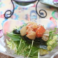 お刺身と海草のサラダ