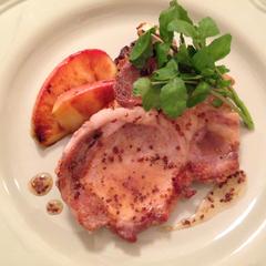 豚肉とりんごのソテー メープルマスタードソース