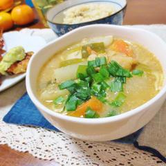 しじみと根菜のゴマみそスープ