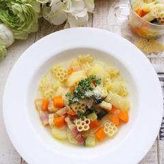 具だくさんの食べるスープパスタ