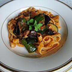 スパゲッティ― 夏野菜ソース