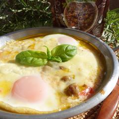 トマトと卵とダルーラのチーズ焼き