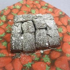 フィナンシェ生地でクランベリーチョコケーキ