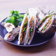 トマトピューレーとお魚のサンドイッチフィリング