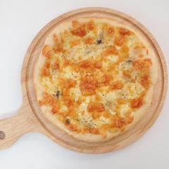 こねない!で作る、本格的もっちりチーズピザ