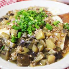 しょうがみりんで作る豚ひき肉となすのあんかけ豆腐