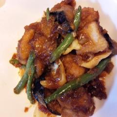 秋鮭と根菜のから揚げ しょうがみりんのネギソース