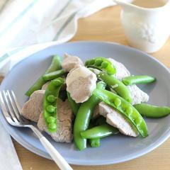 豚ヒレ肉とスナップエンドウのサラダ
