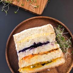 しっとり美味しいサンドイッチケーキ